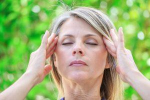 aliviar-dolor-cabeza-mujer
