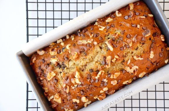 sour-cream-banana-bread-photo-580x380
