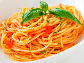 spaguetis-con-salsa-de-tomate