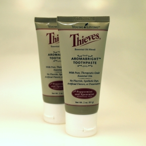 aromabright-thieves-toothpaste
