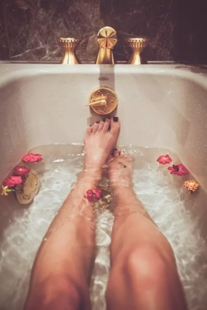 bañera spa flores
